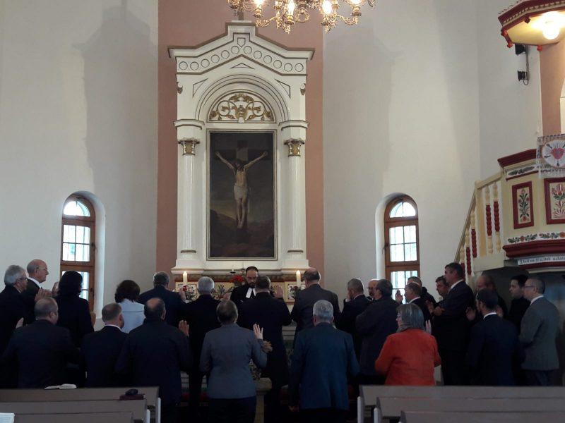 A zsinati tagok eskütétele az iktatás során